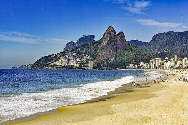 Praia de Ipanema a praia mais linda do brasil